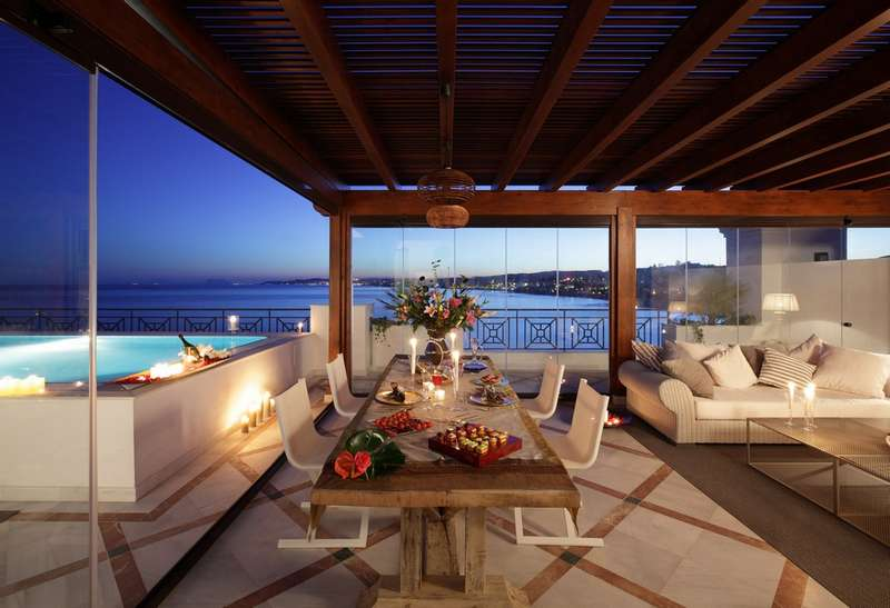 Penthouse luxe Estepona Marbella Immobilier Marbella Terasse nuit