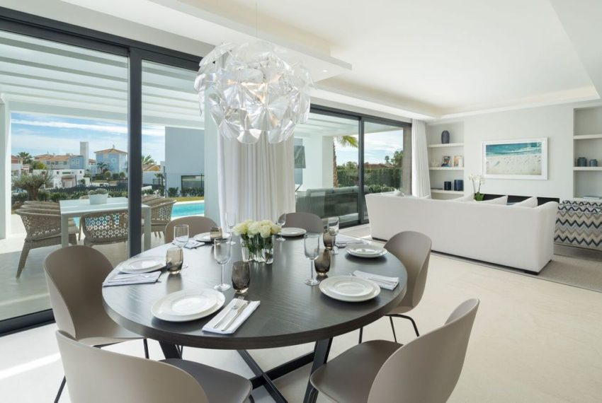 villa luxe 4 chambres immobilier marbella salle a manger