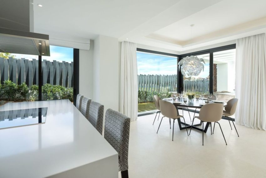 villa luxe 4 chambres immobilier marbella salle a manger1